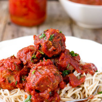 This fresh, rich, and savory Italian spaghetti sauce is simple, quick, and easy to make at home. Generously pour it onto your spaghetti and meatballs or vegan meatless balls, and you won't want to stop eating, even after you're full.