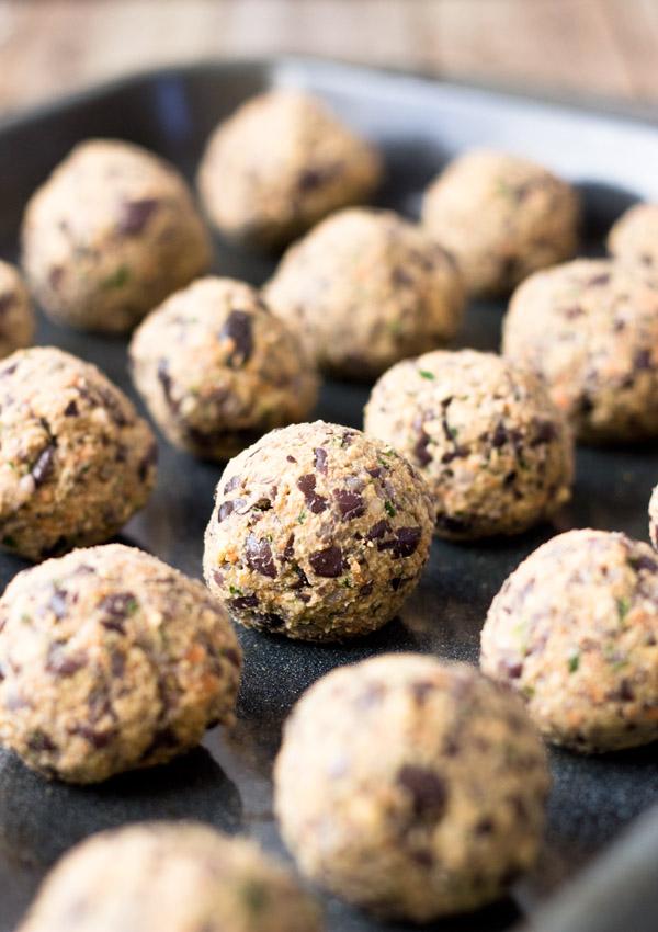 Black bean meatless balls