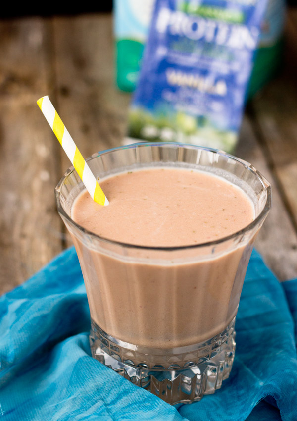 the strawberry smoothie has just the right amount of sweetness with a strong but well-balanced vanilla flavor