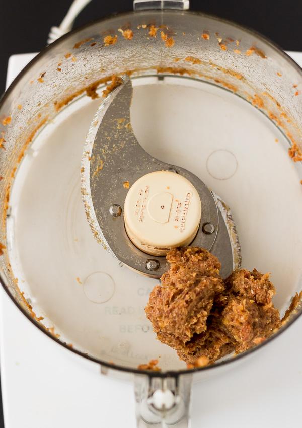 Raw Vegan Caramel Sauce