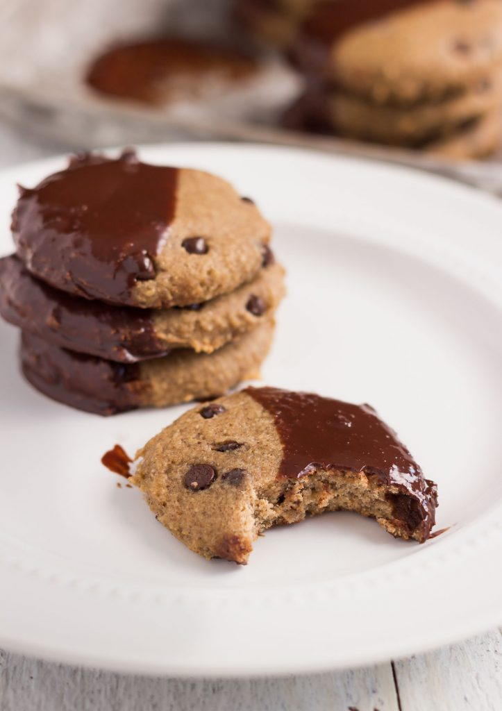 Skinny Banana Chocolate Chip Cookies