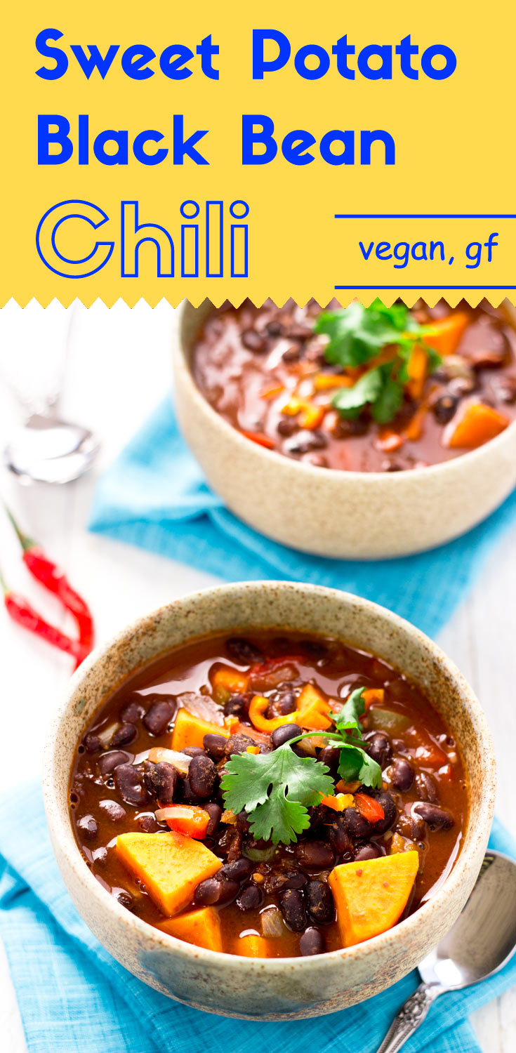 This vegan sweet potato black bean chili is simple, low in fat, and rich in antioxidants. It also serves you as a one-bowl meal. (#vegan #glutenfree #veganchili #glutenfreemeals #glutenfreechili #glutenfreevegan #plantbased #blackbeanchili #plantpowered)