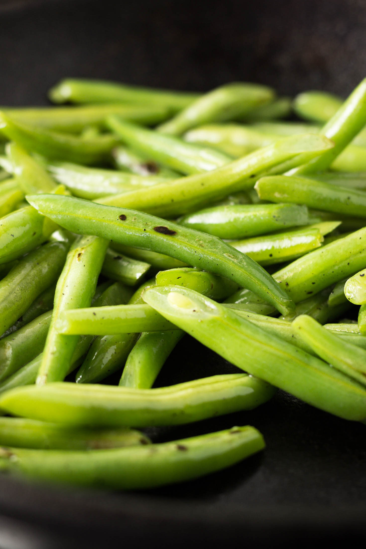 Simple Skillet Garlic Green Beans