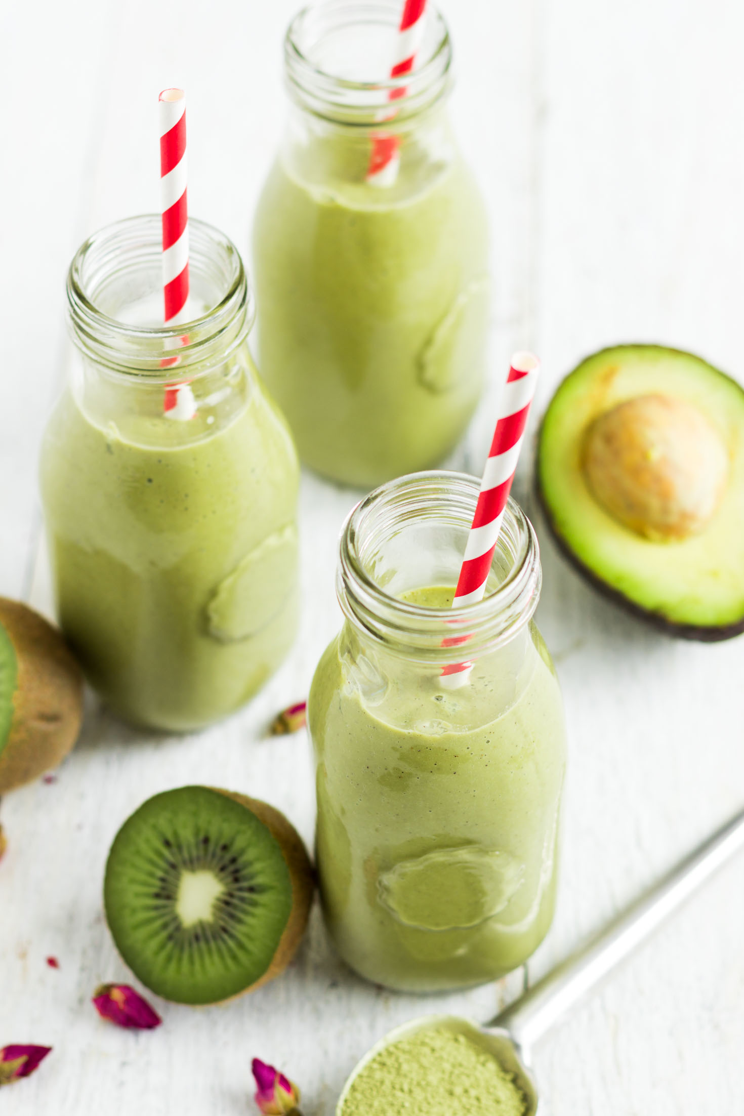 Green Kiwi Matcha Protein Smoothie-top view-3 glasses with red straws
