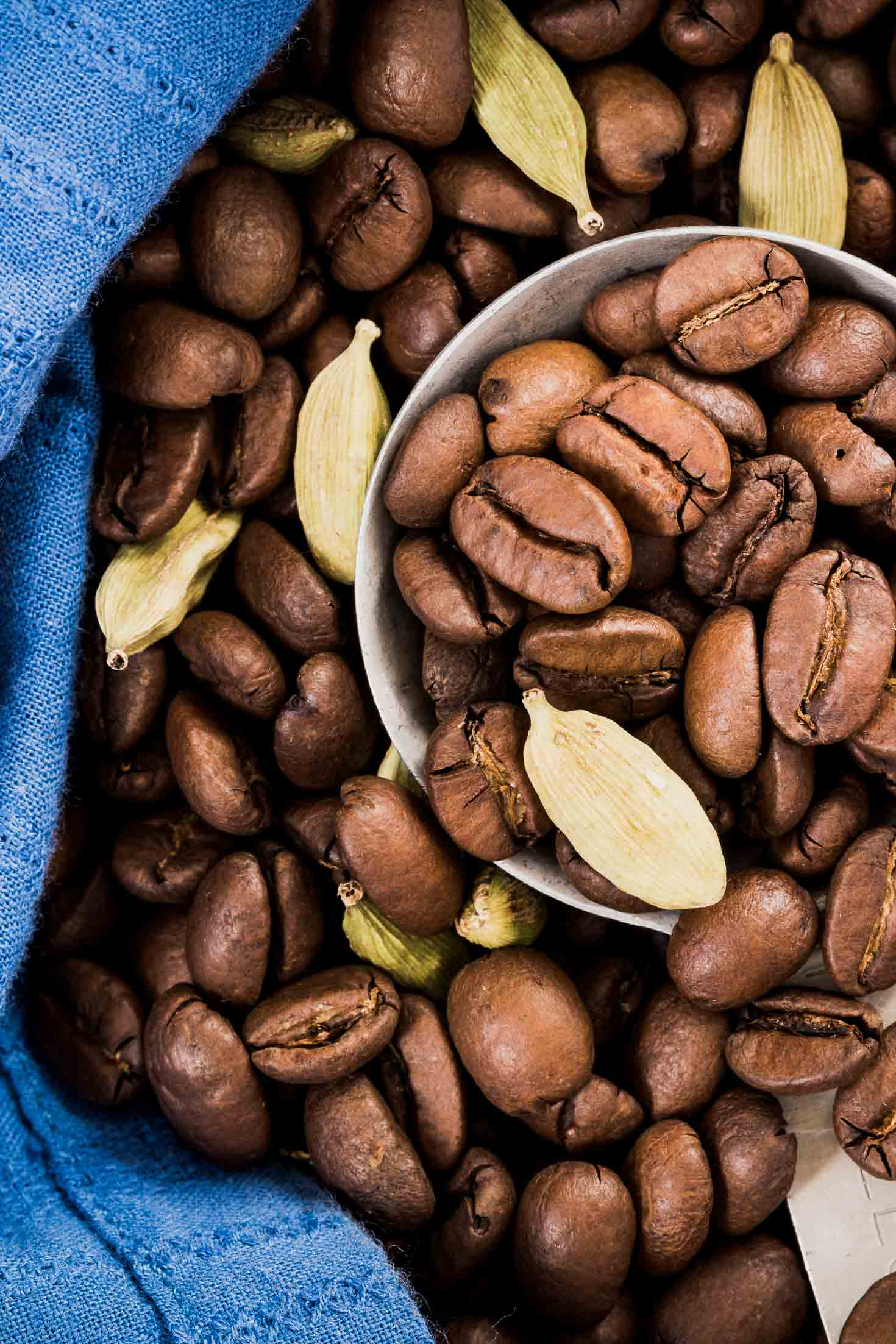 Cardamom Cold-Brewed Coffee-ingredients-cardamom pods with coffee beans